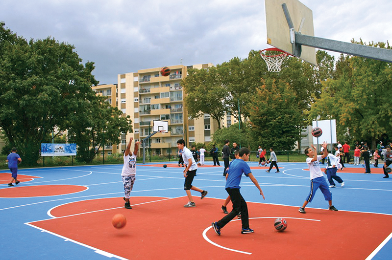 Archive sport dans la ville des activit s tous azimuts for Piscine vaulx en velin